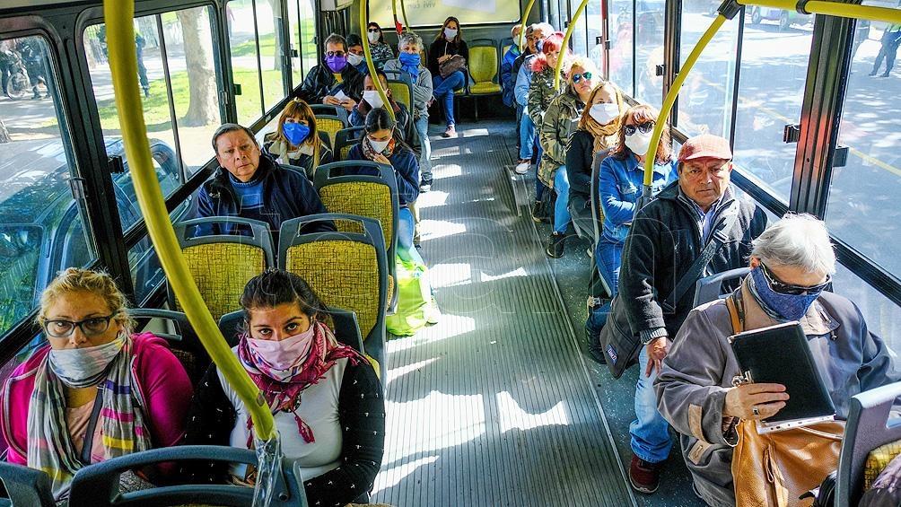 Desde hoy circulan los transporte de mediana y larga distancia – Diario El  Pensar